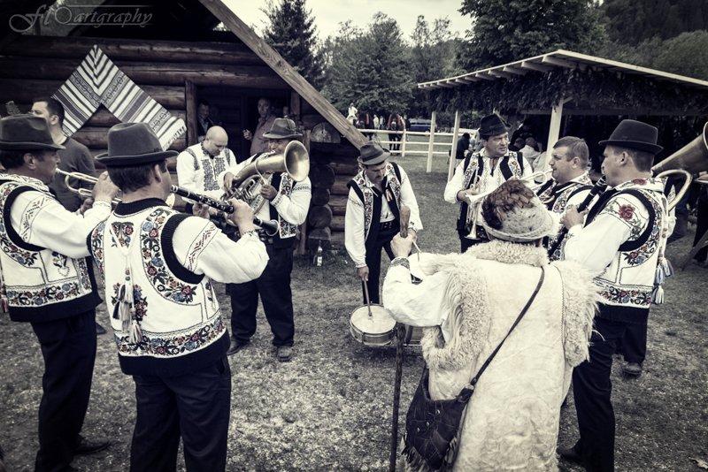 Hora Bucovinei - Frasin (1 of 7)